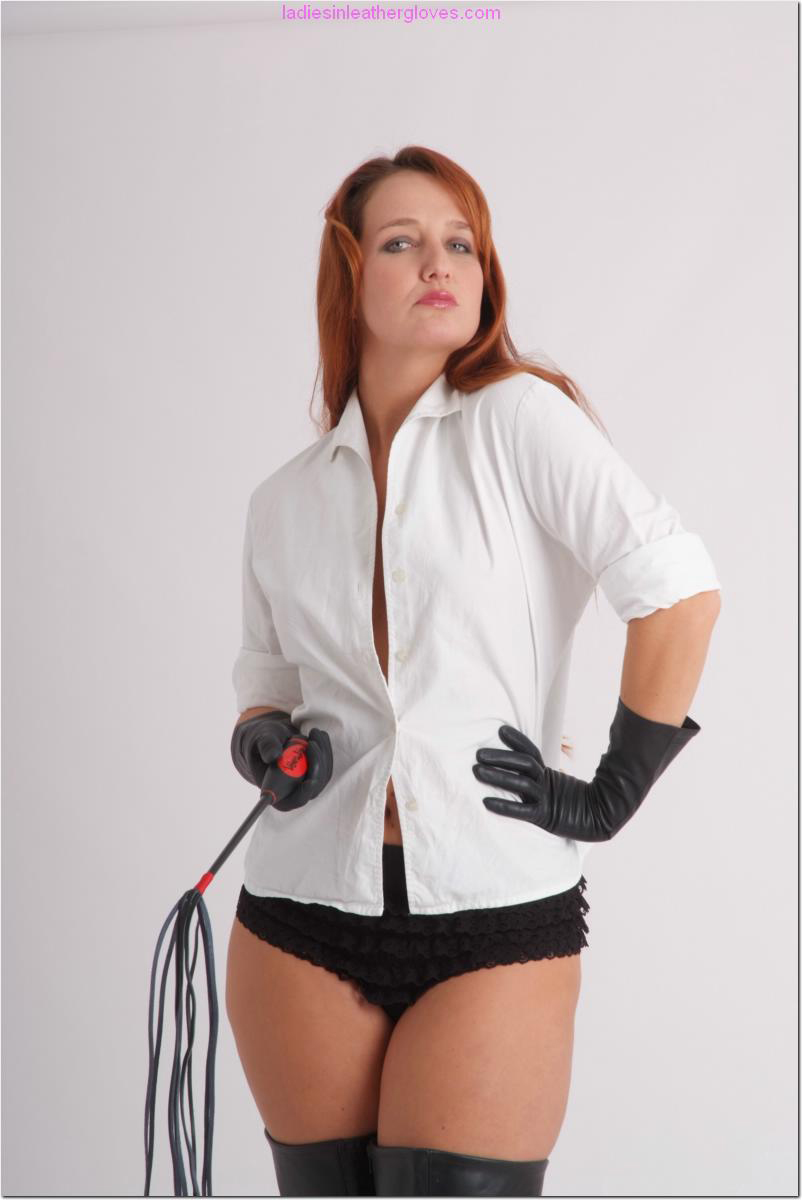 ladiesinleathergloves directory pages 090411 sammy 002