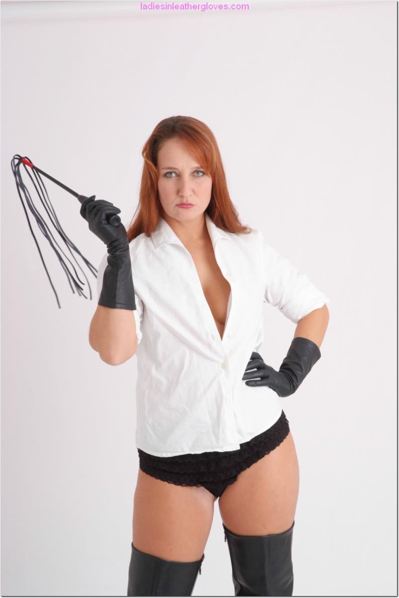 ladiesinleathergloves directory pages 090411 sammy 003