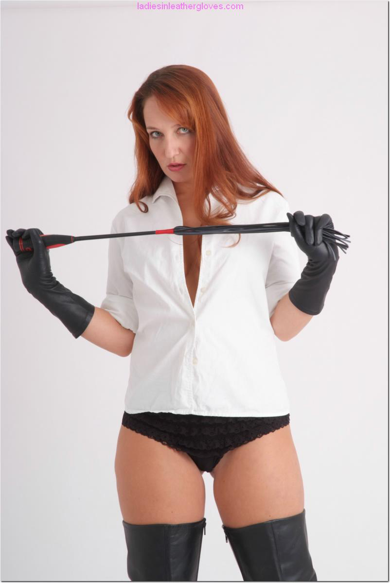 ladiesinleathergloves directory pages 090411 sammy 006