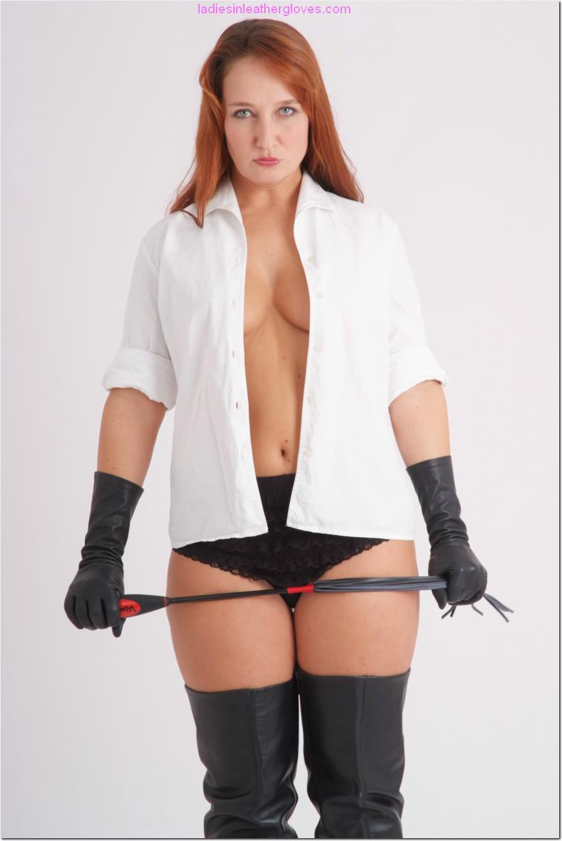 ladiesinleathergloves directory pages 090411 sammy 007