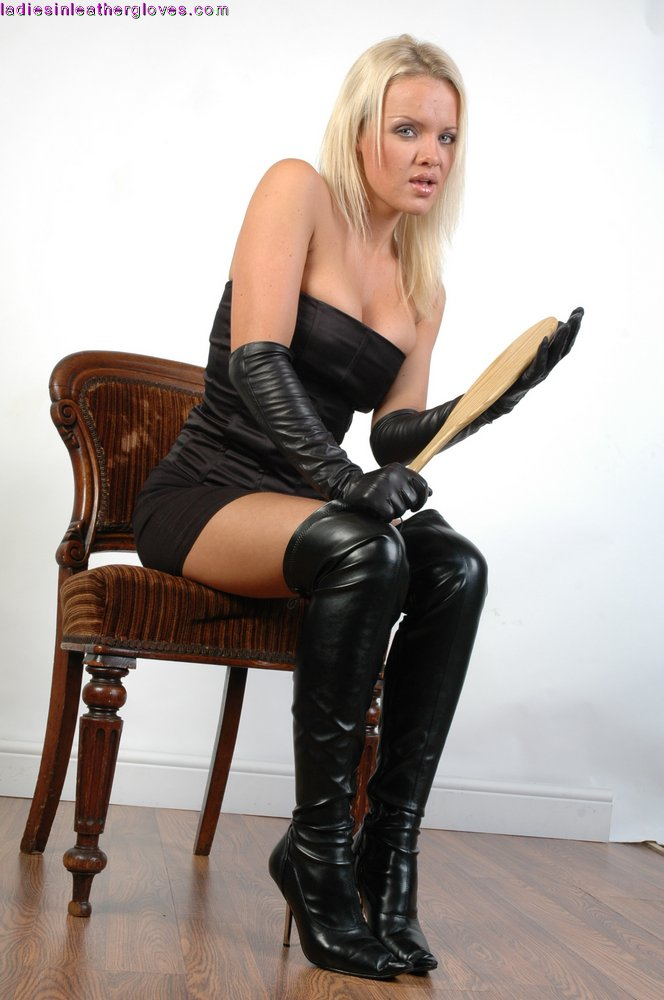 Bdsm lesbian femdom pictures stories