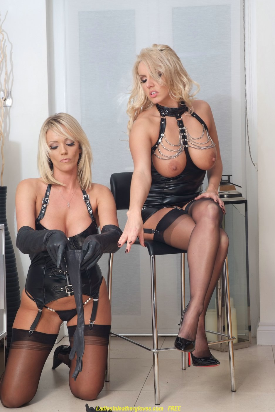 Dannii Harwood Lucy Zara Cool ladies wearing leather gloves